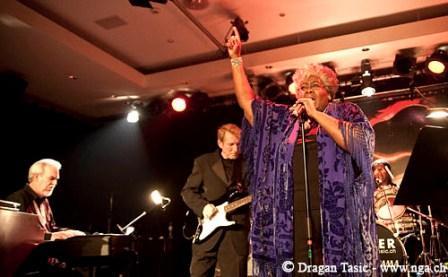 Dorothy Moore Band8884