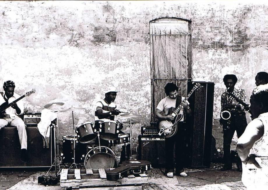 Maxwell St Q2 Band